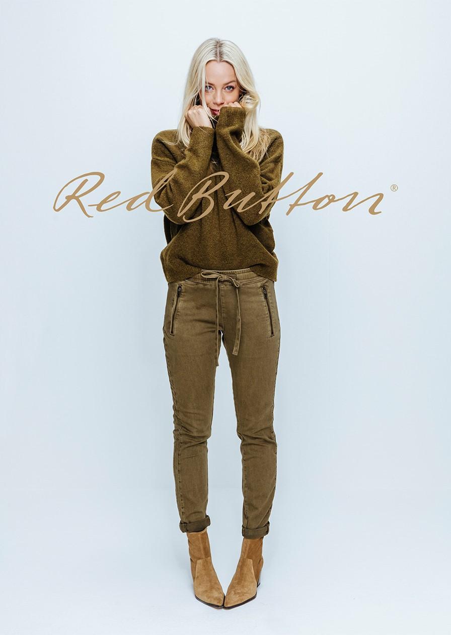 Red-Button-fashion-lookbook-01-1 ok